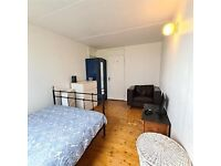 Lovely Large Double Bedroom to Rent in a Shared Terraced House in Beckway Road, Norbury SW16.