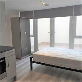 Studio flat in Kilburn High Road, NW6