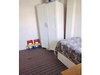 Single Room to Rent in Shared House in Beresford Avenue, Slough SL2