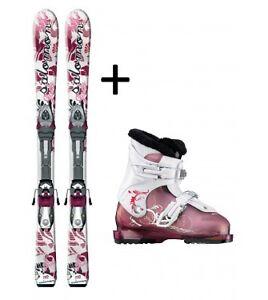 Initiation de ski pour débutants, enfants âgés d'environ 8 à 10