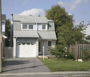 Barrhaven excellent 3 bedrooms/2.5 bathrooms SINGLE family home