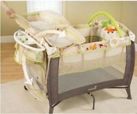Play yard and changing table-Summer brand