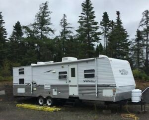 2006 Springdale Keystone travel trailer 30ft for sale