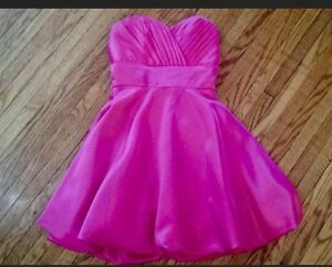 GRAD/FORMAL DRESS SIZE EXTRA SMALL