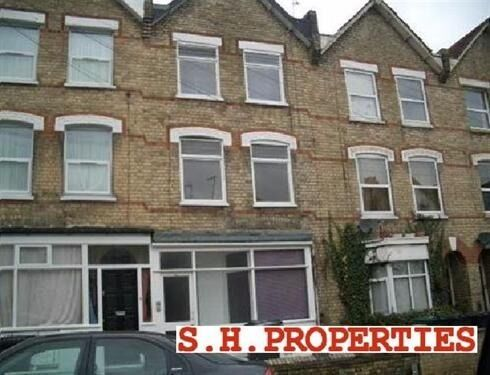 LOVELY 1 BEDROOM FLAT AVAILABLE IN HOLLY PARK ROAD, FRIERN PARK, N11 3HB