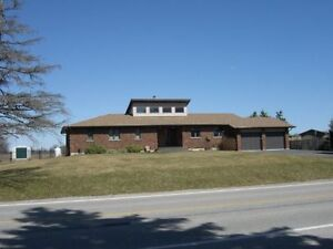 Country/Rural Ranch Style Bungalow (Location Location)
