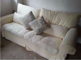 Lovely country style 3 seater sofa with back and scatter cushions