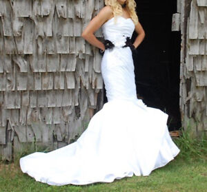 Size 6 Wedding Dress Exclusive Bridal by A.C.E