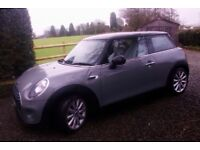 Mini Cooper Manual 2014 only 32,000 miles with Mini navigation system