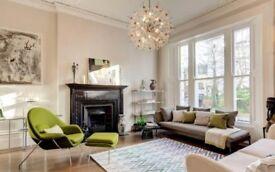 Studio flat in Kensington Gate, London