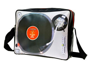 Funky-Retro-Shoulder-Bag-Turntable-Print-from-Present-Time-Wanted-Collection