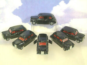 A-FLEET-OF-6-CORGI-BLACK-LONDON-TAXI-CABS-WITH-OPENING-DOORS