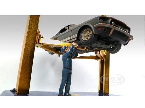 Mechanic At Work Steve Figure For 1:24 Diecast Model Cars American Diorama 23907