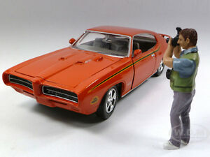 CAMERA-MAN-SCOTT-FIGURE-FOR-1-24-SCALE-DIECAST-MODEL-CARS-AMERICAN-DIORAMA-23835