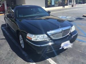 2010 Lincoln Town Car BLACK Sedan