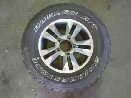 TOYOTA LANDCRUISER ALLOY WHEEL WITH TYRE 98 TO 07 (63929)