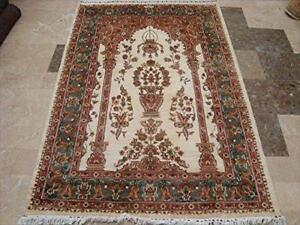 Rectangle Area Rug Exclusive Ivory Vaas Guldasta Lovely Hand Knotted Wool Silk Carpet (6 X 4)'