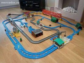 Thomas Trackmaster Ultimate Set (plus extra trains)