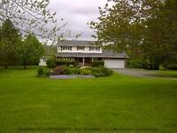 HOUSE FOR SALE Centreville w/4 acres, pool and hot tub