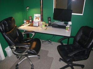 Desk with Chair for home office or students study.