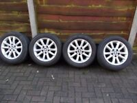 Bmw alloys 6 tyres with them