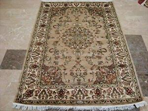 Wow Sarafian Flowers Lovely Medallion Area Rug Hand Knotted Wool Silk Carpet (6 x 4)'