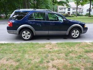 2005 Ford FreeStyle/Taurus X SE SUV, Crossover