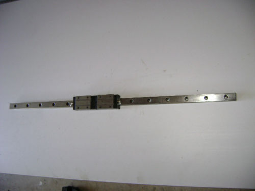 ROUNTER CNC LINEAR ACTUATOR slide rail 33 in long H-25 bearing block