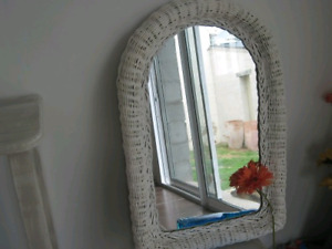 Miroir d'entrée-ou autre salle de bain en rotin bon &eacu