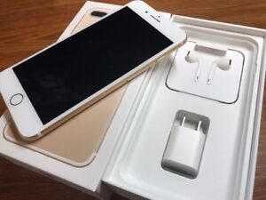 Unlocked iPhone 7Plus Gold 32GB with everything in box