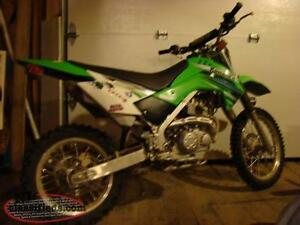 2013 klx 140  comes with equipment