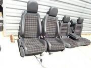 R32 Sitze