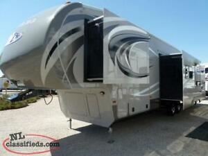**SOLD**Montana High Country 5th Wheel**SOLD**