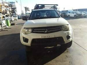MITSUBISHI TRITON MANUAL VEHICLE WRECKING PARTS 2011 (VA02812)