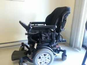 Power wheelchair like new - easy to use - great for those who ne