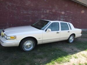 1997 LINCOLN TOWN CAR CARTIER EDITION $2500!!!