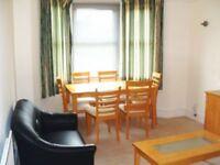 3 bedroom flat in Kings Road, Willesden, NW10