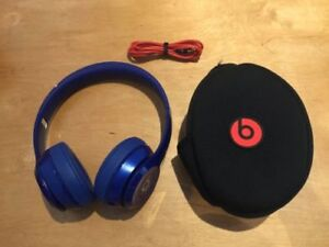 Beats by Dr. Dre Solo2 Wired On-Ear Glossy Blue Headphones