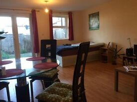 Studio now available in Plumstead! - minutes away from local amenities and rail station