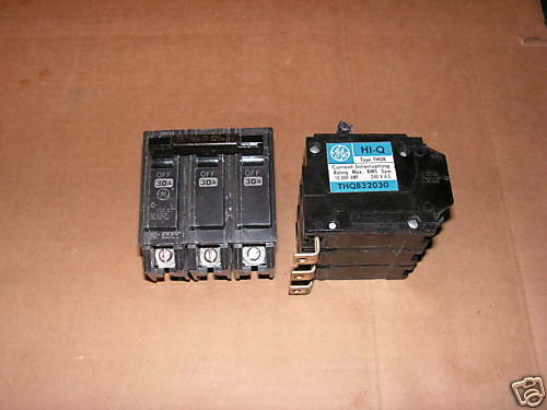 Ge General Electric 30 amp circuit breaker Cat# THQB32030 240 VAc 3 pole bolt on