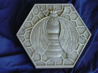 BUMBLE BEE CONCRETE  CEMENT PLASTER STEPPING STONE MOLD 1060 Moldcreations
