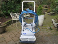 Dolphin DX8 Pool cleaning robot with kart power supply & remote