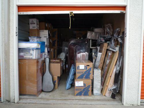 storage_auction_treasures_nv