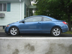 Honda Civic with 8 Tires