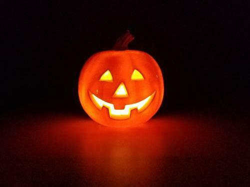 Full Size Jack-o-Lantern Bluetooth Speaker Halloween Pumpkin 7 inch