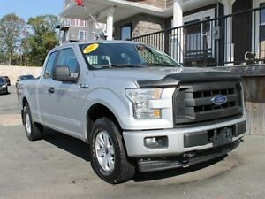 2015 Ford F-150 XL / 3.5L V6 / Auto / 4x4 **Tough!**
