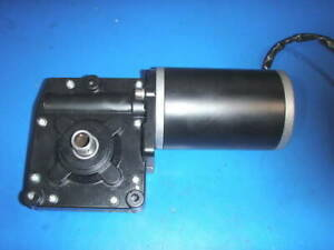 GEAR MOTOR 12 VOLT GREAT FOR PROJECTS/SAWMILL/CRAB POT