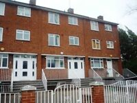 4 bedroom flat in Harley Road, Swiss Cottage, NW3
