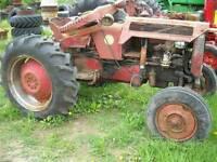 International B275 tractor