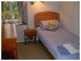 STUNNING NEWLY REFURBISHED ROOMS 15min away from CANARY WHARF